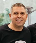 Profile picture for user Daniel Ionescu